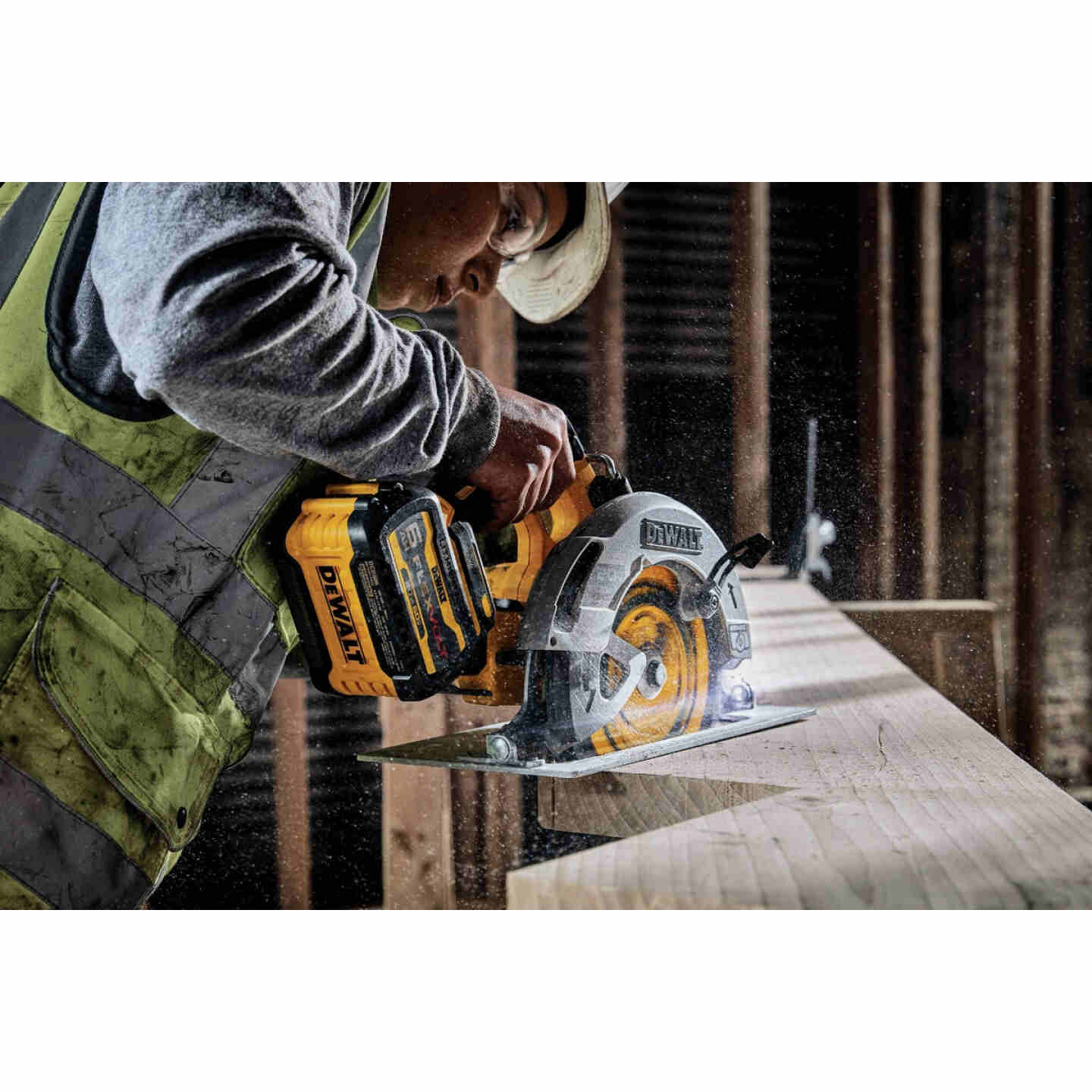 DeWalt 20 Volt MAX 7-1/4 In. Brushless Cordless Circular Saw with Flexvolt Advantage (Bare Tool) Image 3